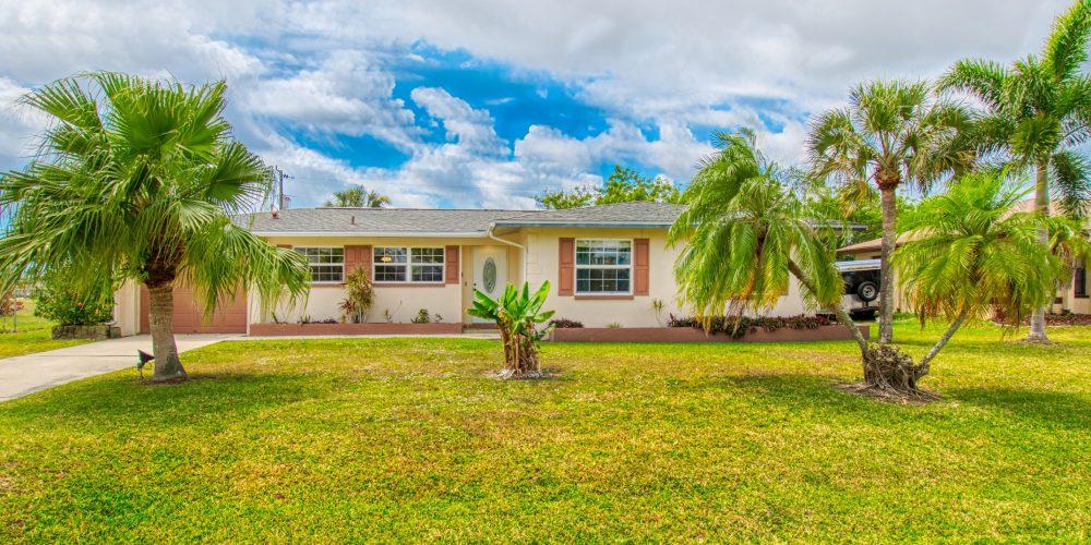 Eingang Little Bamboo Cape Coral Ferienhaus Florida Ostküste